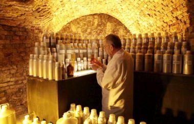Parfumatelier Guy Delforge-Visites - Curiosités tot Provincie Namen