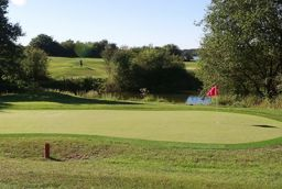 Pro1Golf Entertainment Center – Golf des Lacs in