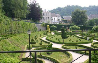 Parc des Topiaires (Vormsnoeipark)-Parcs et jardins tot Provincie Luxemburg
