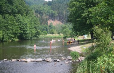 Strand van Maboge-Sports et loisirs tot Provincie Luxemburg