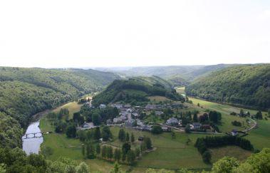 Uitzichtpunt over Frahan in Rochehaut-Point de vue tot