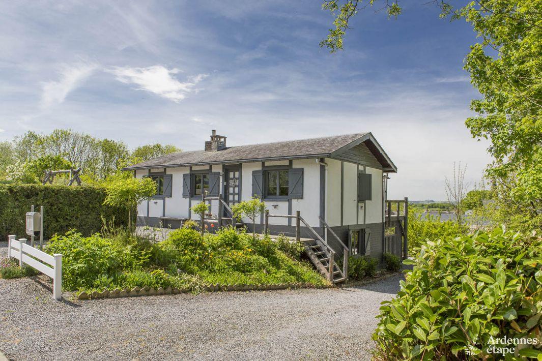 Originele vakantiewoning met ontspanningsruimte voor 6 for Huisje met sauna en jacuzzi 2 personen